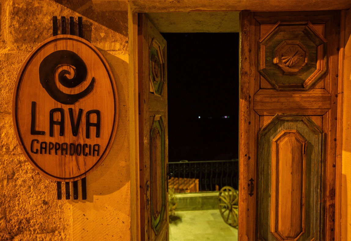 contact-lava